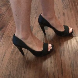 Jessica Simpson size 9 black stilettos!